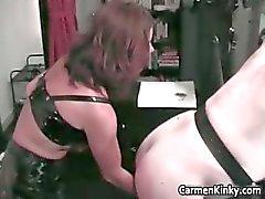 amatööri bdsm ruskeaverikkö dominatrix femdom