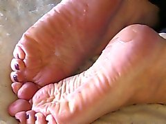 Shan's Stinky BBW Soles Take a Load!