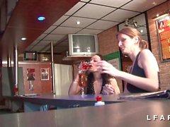 2 salopes francaises demontees dans un club echangiste