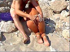 mari trompé nudité en public triplettes