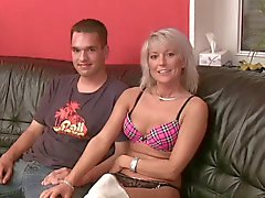 babes blondes blowjobs