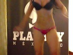 strip teasing celeb latin