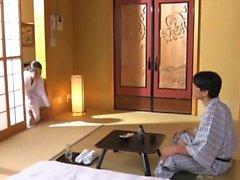amador asiático peitos grandes japonês lingerie