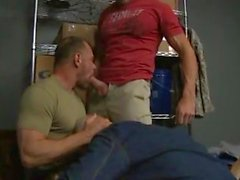 gay bareback blowjobs