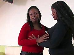 bbw peitos grandes preto e ébano lésbicas