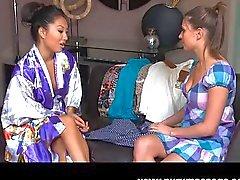 lesbisk onani oralsex kaukasiska