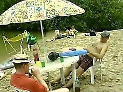 dilettante spiaggia bisessuale biondo pompino
