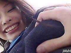 asiatisk babe avsugning brunett