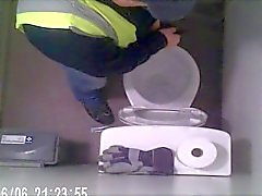 hidden-camera straight-guy-pissing public-toilet-guys straightcockpic straightcockvids