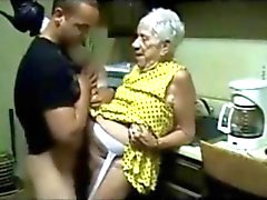 amatööri isoäidit erääntyy vuotias nuori ruiskuttaminen