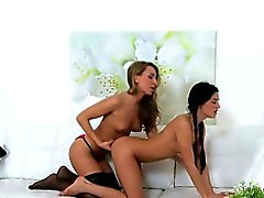 Brunette beauty licks blonde female agent