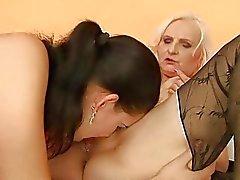 mamie lesbienne lesbiennes mamans sexe lesbien
