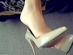 kink girl-on-girl pantyhose-tease feet-soles blonde