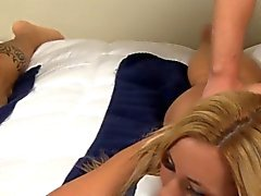 baby blondine blowjob brünett gruppen-sex