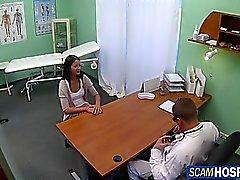 amateur pipe massage réalité étudiant
