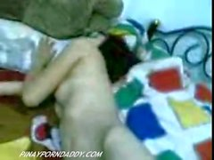 adolescente joven filipina asiático casero