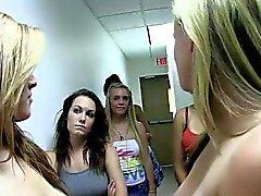 dilettante college sesso di gruppo lesbica pubblico
