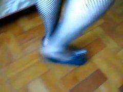 trabajando con el pie medias fetiche